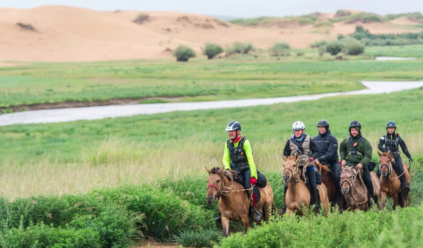 Horse Riding Safari across the Gobi Desert